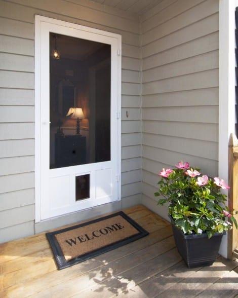 Chesapeake Pet Door in White Vinyl
