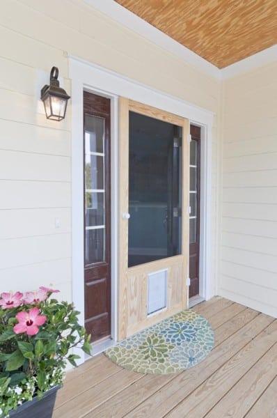 Chesapeake Pet Door in Wood for XL Pets