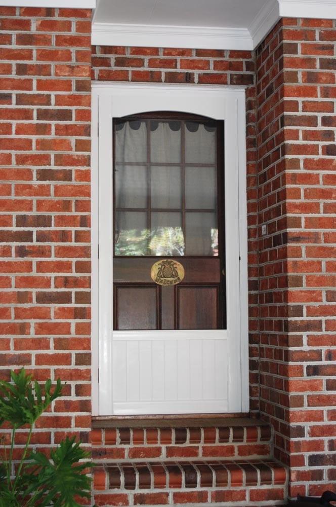 e8b2e68a0ae Wedgefield White Vinyl Screen Door - Screen Tight