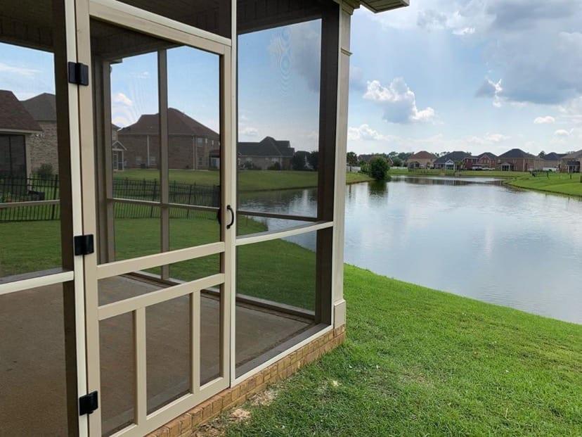 Beige Screen Tight Cap and Creekside Door