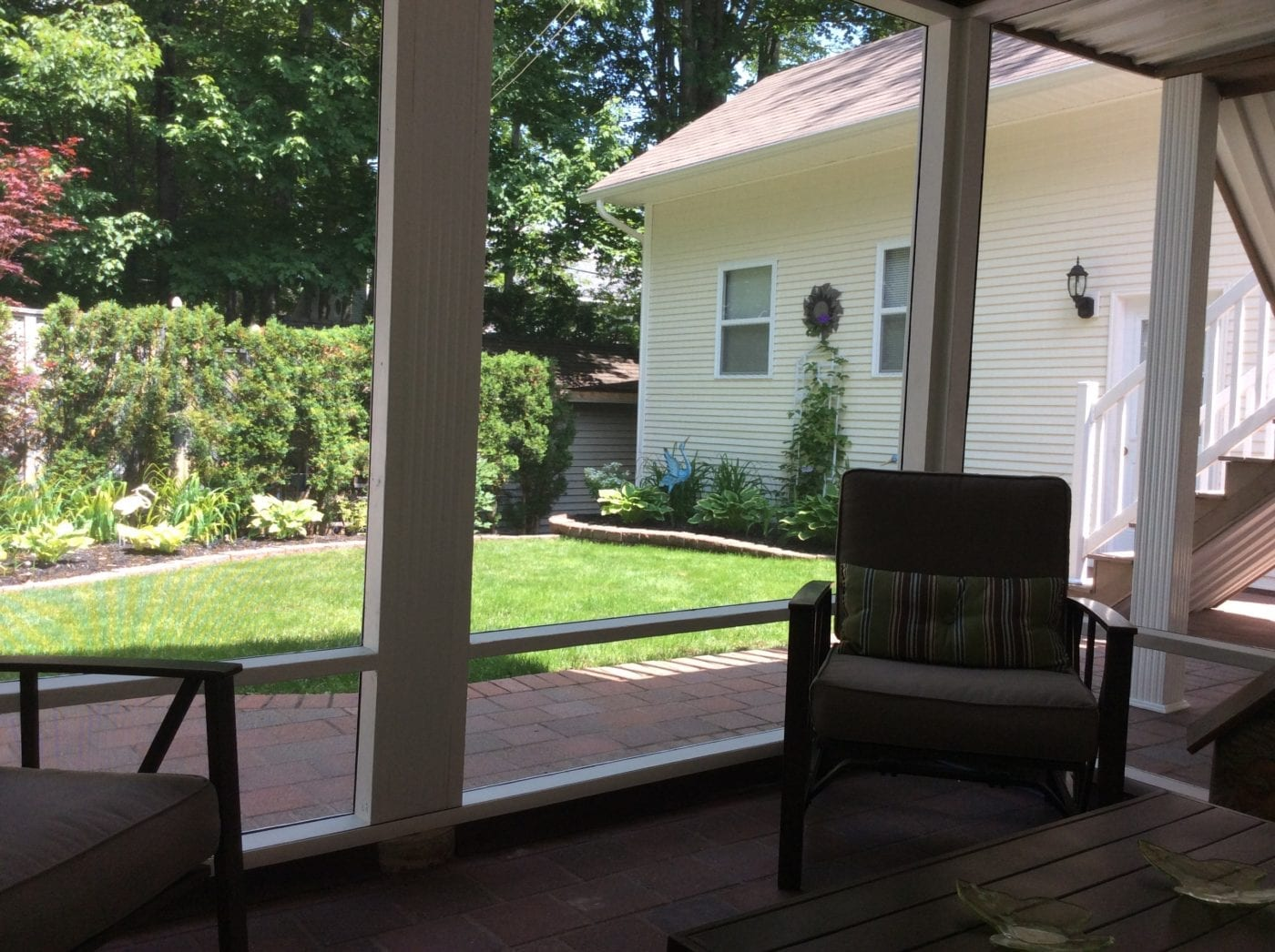 Screened-in Patio Backyard Views