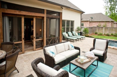Stylish Screened-In Patio